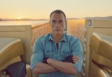 Volvo Trucks – The Epic Split feat. Van Damme