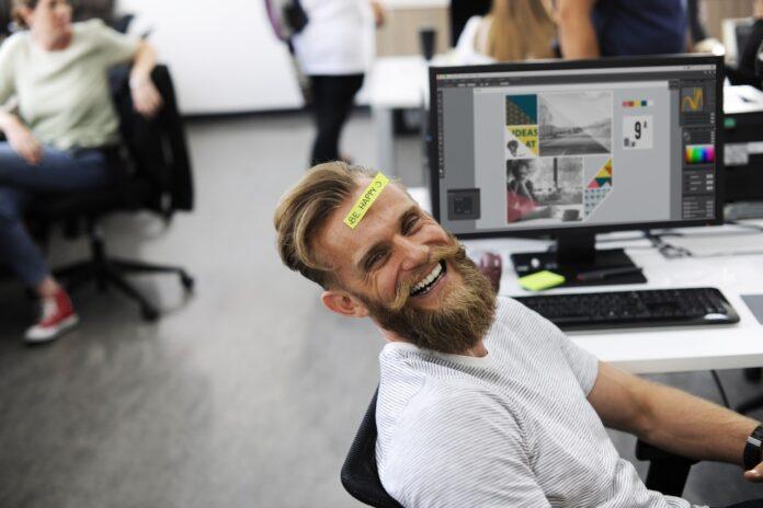 Spaß-Job Riesiger schwuler Schwanz im Arsch